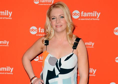 Melissa Joan Hart announces pregnancy news as early