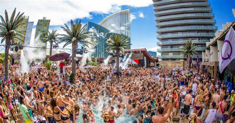 Best Las Vegas Pool Parties 2020: Dayclubs to Cool Off at
