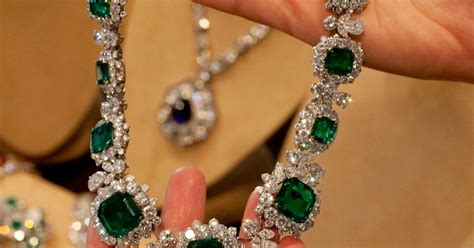 Elizabeth Taylor's jewels valued at $30 million