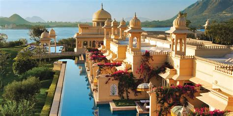 7 Dazzling And Classy Resorts In India For A Rare