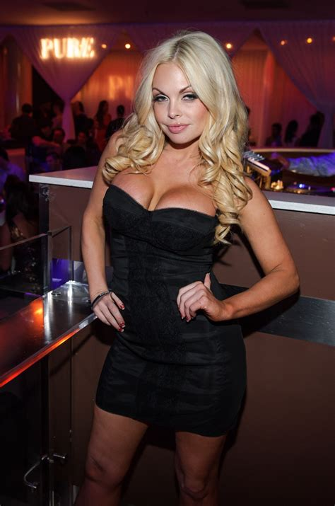 Photos: Jesse Jane Hosts Official AVN After-Party at PURE
