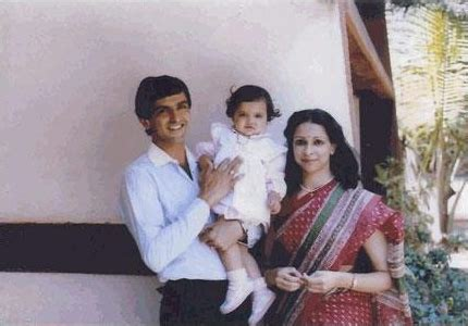 Bollywood Actress Deepika Padukone Childhood Photos - MERE PIX