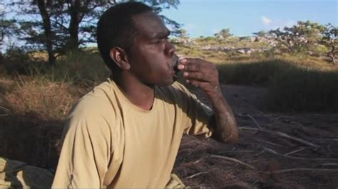 Soldiers survive eating bush tucker in Australia's outback