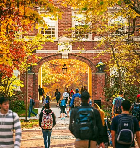 10 Most Beautiful Campuses in the Fall - Greekrank