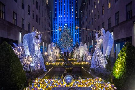 Mind-Blowing Facts About the Rockefeller Center Christmas