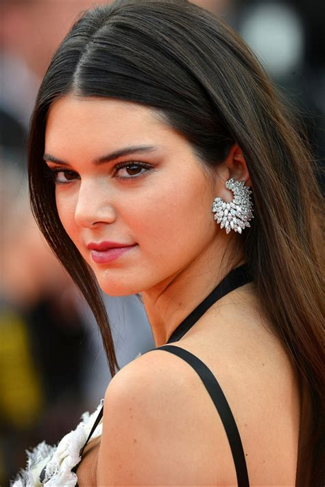 Kendall Jenner Weight Height Net Worth Measurements Bra Size