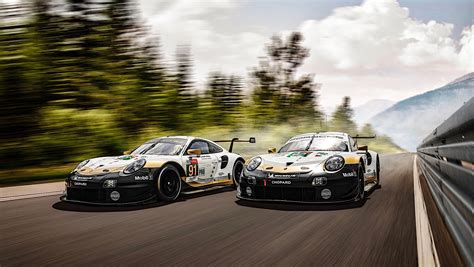 Le Mans Porsche 911 RSR Cars Get Draped in Gold to Honor