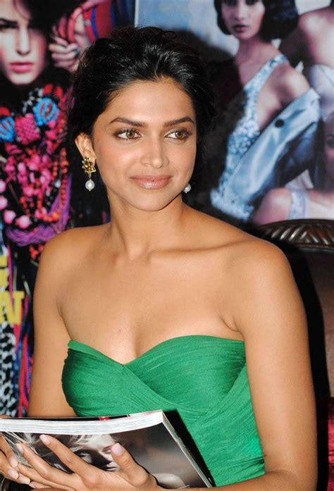 Deepika Padukone Latest hot Pictures - HIGH RESOLUTION