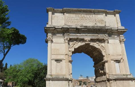 Things to do in Rome - Visit the Roman Forum