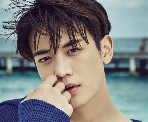 SHINee's Minho Placed On Vogue's List For Sexiest Men